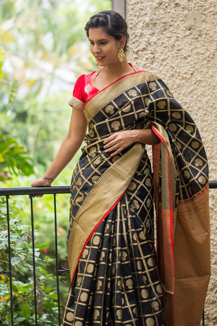 Black and red checked Kanakavalli inspired silk cotton saree with weave motifs  #saree #blouse #houseofblouse #indian #bollywood #style #traditional #black #pink #checked #Kanakavalli #inspired #silkcotton #thread #weave #motifs