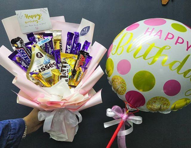 Bouquet Coklat Dan Bunga Delivery Ampang We Deliver Birthday Bouquet Gift Anniversary Get Well Soon Graduation And More Cont Hadiah Untuk Suami Bunga Coklat
