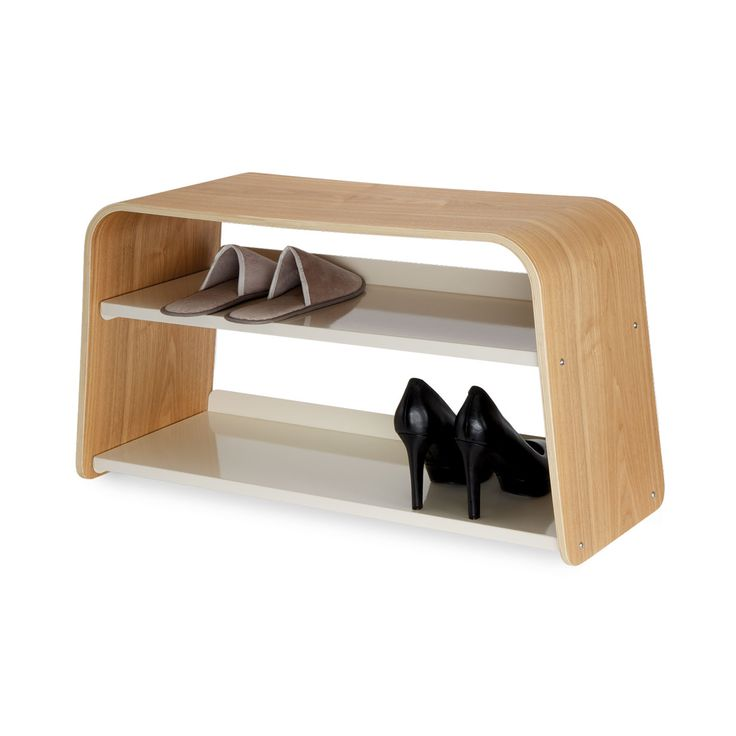 Realizzata in multistrato di frassino, la scarpiera Shoe Bench è un oggetto dalle mille funzioni e potenzialità. Il ripiano superiore può essere usato come comodo sgabello o come appoggio per le tue cose, mentre i 2 ripiani inferiori sono perfetti per riporre fino a 6 paia di scarpe. Usa Shoe Bench in bagno, sul balcone, in cucina o in camera da letto. La struttura robusta è realizzata in legno curvato e acciaio cromato. Scopri online altre idee per tenere in ordine la tua casa.