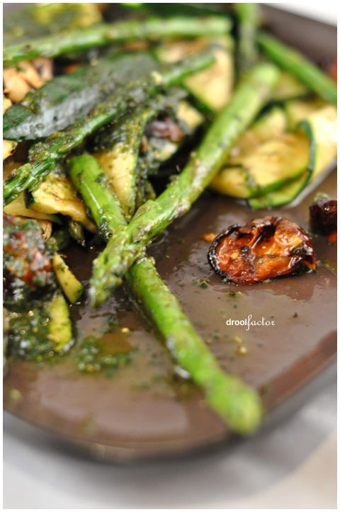 Chargrilled asparagus, courgettes and halloumi