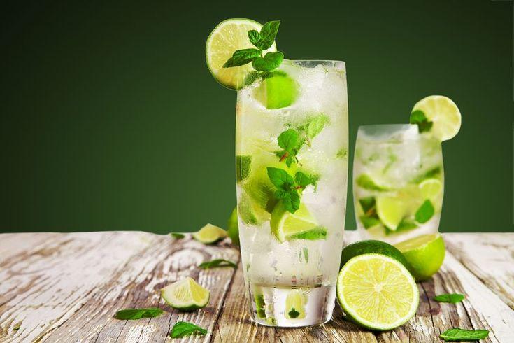 """Cocktail Virgin Mojito :   2 cl de sirop de mojito - 3 cl de sirop - caribbean (saveur rhum) - 1 quartier de citrons verts - 2 feuilles de menthe - 10 cl de eau gazeuse (perrier, salvetat)   Réalisez la recette """"Virgin Mojito"""" directement dans le verre."""