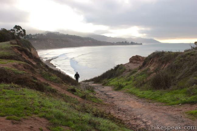 Carpinteria Bluffs Trail to Carpinteria Seal Sanctuary Overlook in Carpinteria Bluffs Nature Preserve | Santa Barbara hike