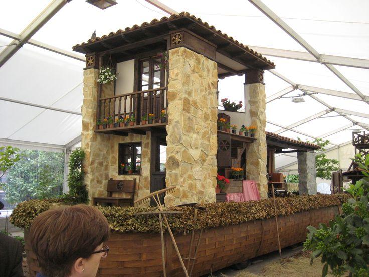 Carroza de valdesoto representa a la casa tipica asturiana - Casa tradicional asturiana ...