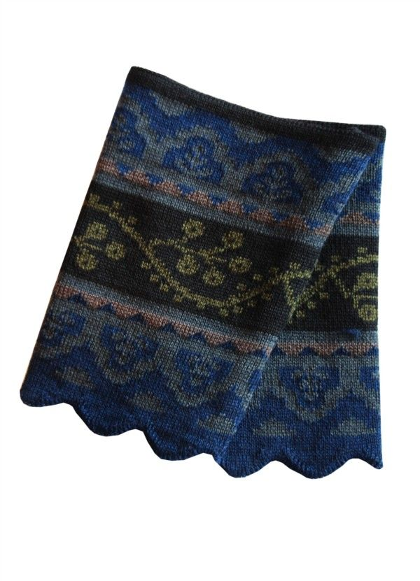 Oleana wristlets--these would coordinate with my Norwegian sweater (not Oleana)!