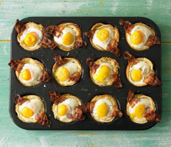 Toastmuffins: Alles was wir lieben in einem Muffin - Spiegelei und Bacon auf Toast und das gleich 12 mal. (Breakfast)