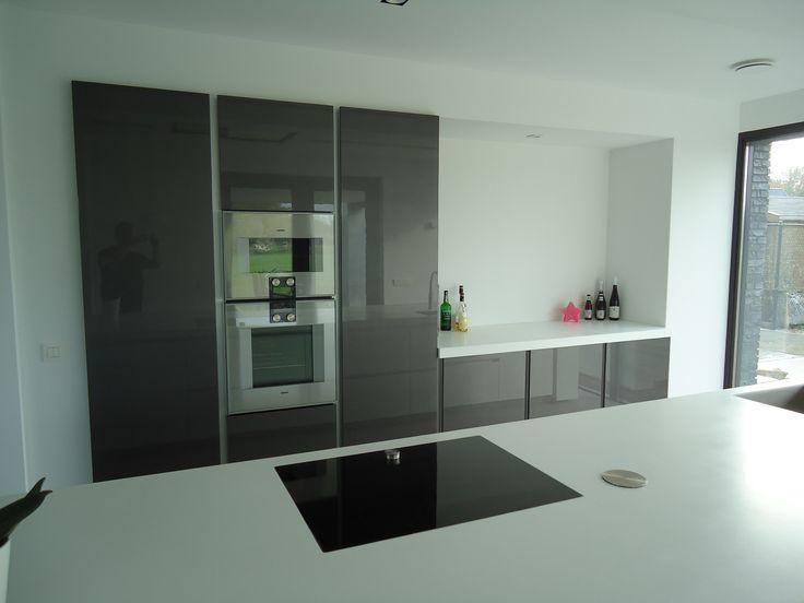 Hoogglans, #modern, #strakke #keuken. #Inbouwapparatuur. # ...