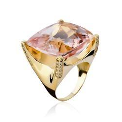 Com a beleza e a perfeição da gema, este lindo anel de ouro com kunzita quadrada…