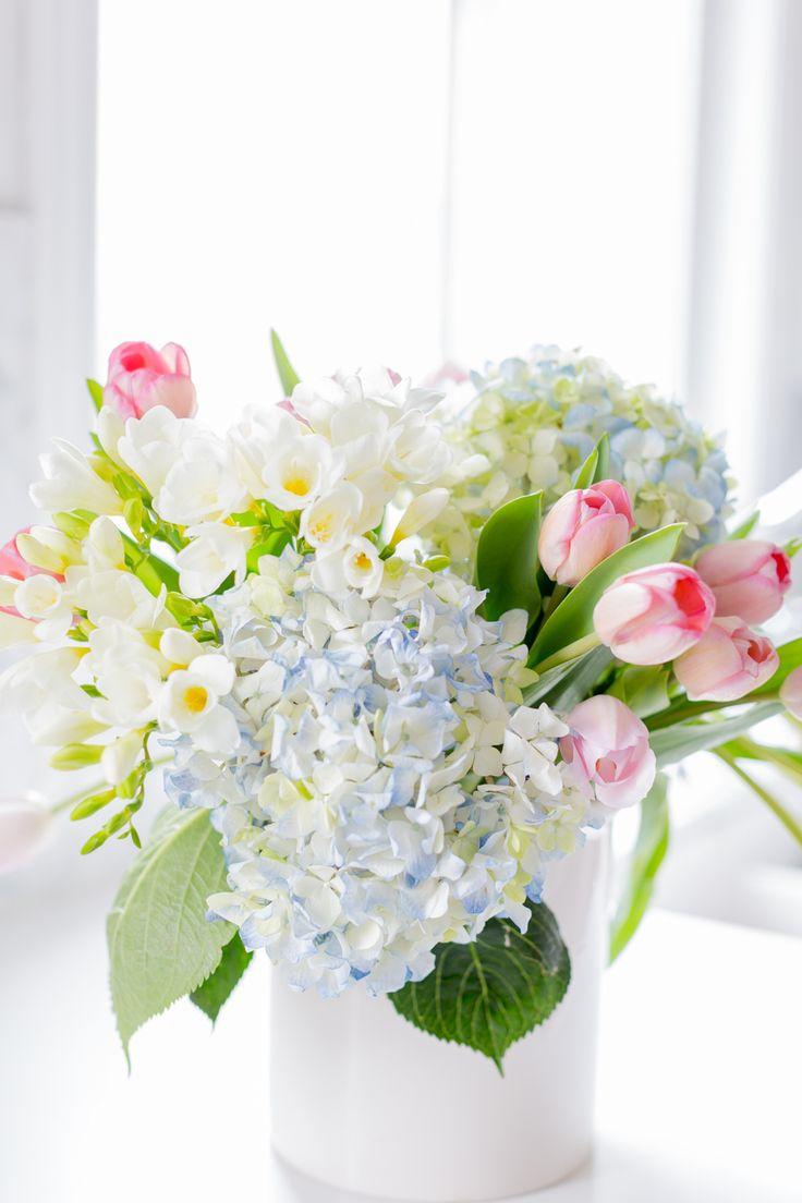 редко красивые букеты весенних цветов фото немцов решительно