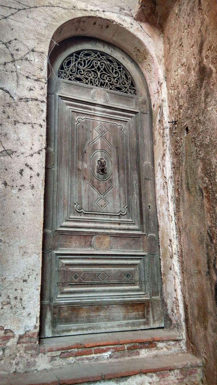 Caldes d'Estrac, Catalonia #Door #Doors