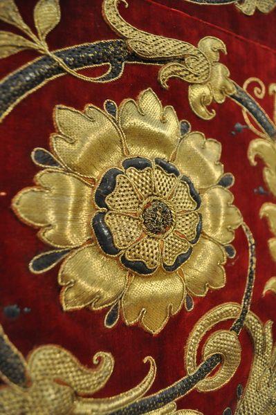 European Antiques : Religious