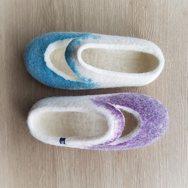 Check these out for summer! Womens Felt Slippers, summer slippers, cool wool slippers, white organic wool, useful fun gifts for women, slip on house shoes wide slippers by Wooppers on Etsy