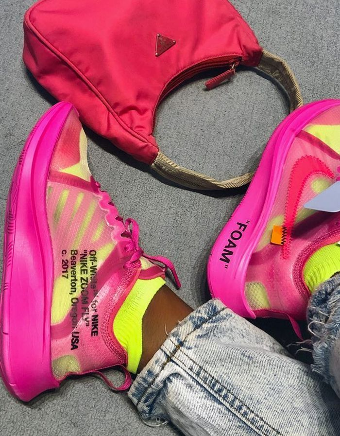 823b7dee2d3f3 Ugly sneakers trend: Aude Julie wearing Off-White x Nike pink sneakers