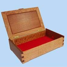 Silky Oak Jewellery box with Rose Mahogany contrast in lid. Handmade in Australia.