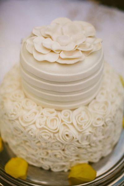 Real Weddings: Courtney & Michael's Backyard Poolside Wedding | Intimate Weddings - Small Wedding Blog - DIY Wedding Ideas for Small and Intimate Weddings - Real Small Weddings