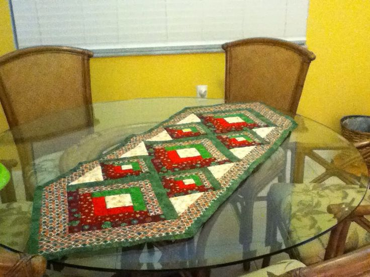 Christmas runner table