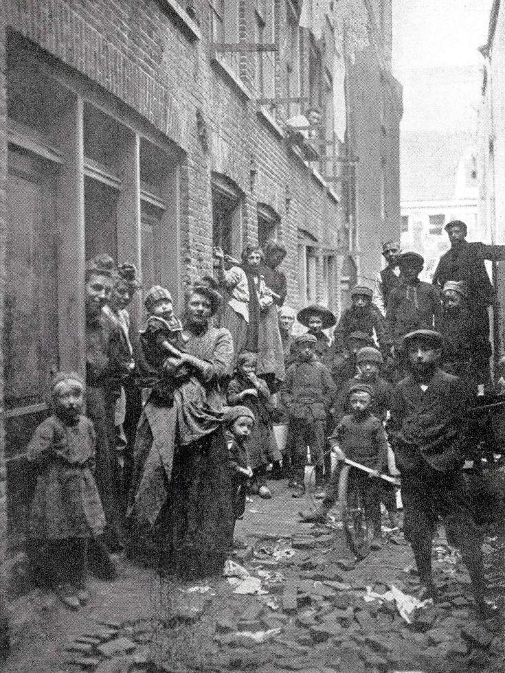 Willemsstraat Amsterdam - Wijde Gang 1900