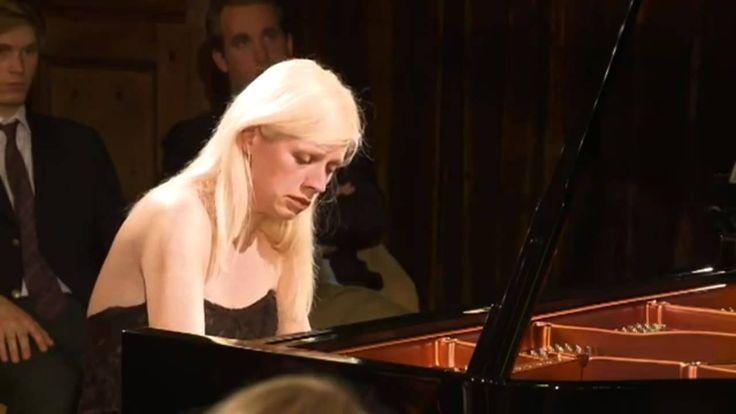 (HD) Valentina Lisitsa plays Schubert's Winterreise, Gute Nacht after Liszt Transcription