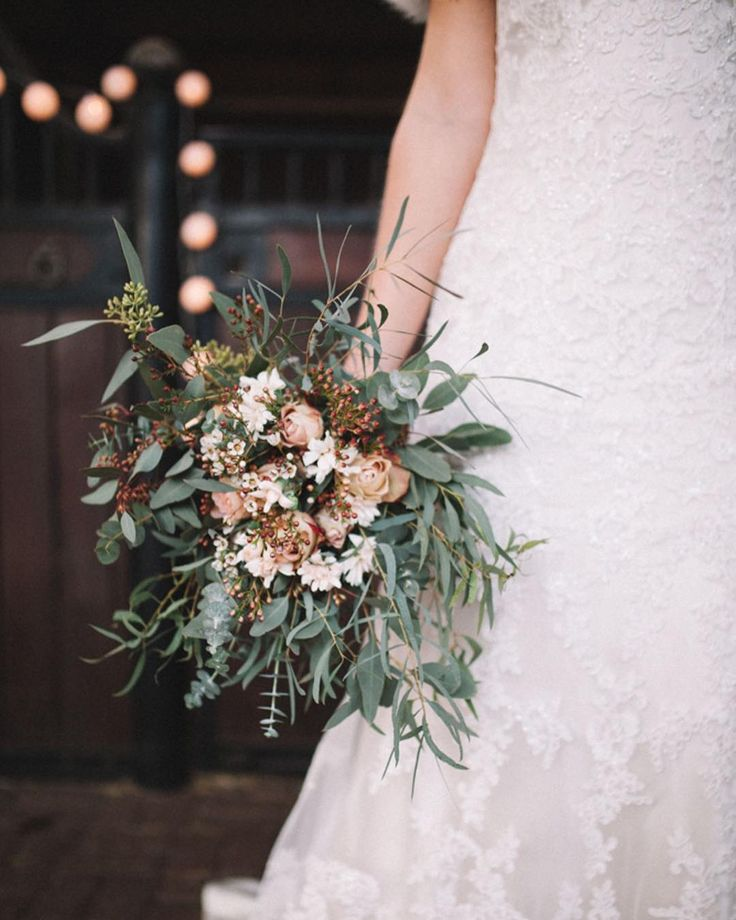 Pretty flowers  . .  .  .  .  #ohbelle#weddingphotographer #weddingphotography #bruidsfotografie #trouwen #bruidspaar #gown #bruid #bride #groom #bruidegom #suit#lookslikefilm #photography #wedding #weddingphoto #bruidsfotograaf #trouwfotograaf #stunning #weddingcouple #weddingday #artofvisuals#lifeauthentic#love#wedspiration#winter#winterwedding