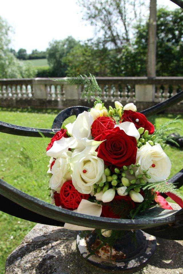 bouquet mari e rouge et blanc inspiration mariage. Black Bedroom Furniture Sets. Home Design Ideas