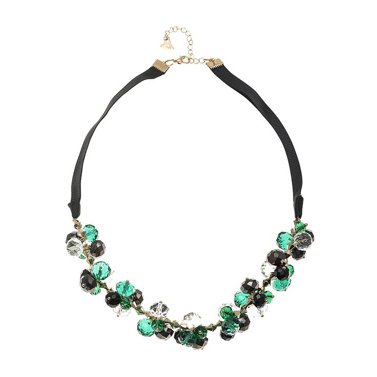 #Necklaces #trend #Accessories #green #woman #fashionwoman #Fashion #beauty #bib #style #diva