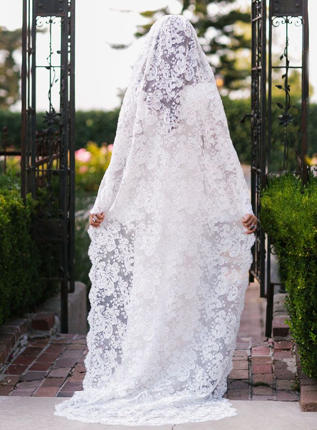 The bohemian wedding dress and veil designed by Mary-Kate and Ashley.