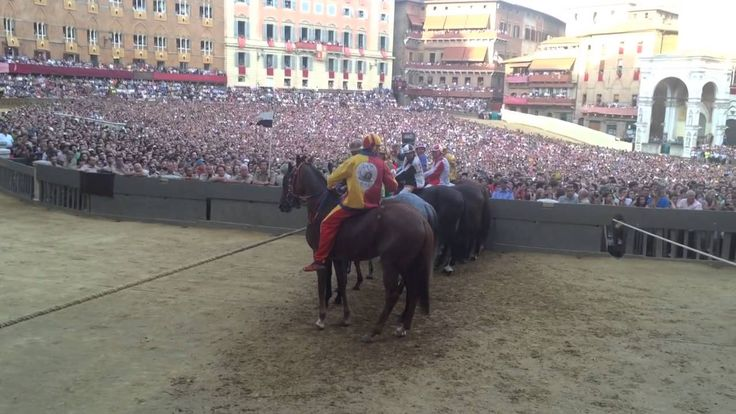 Palio Race in Siena 2014 from Finish Line