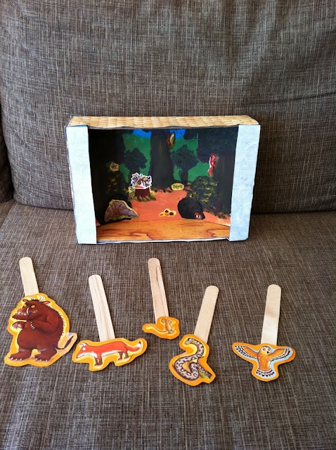 Puppet theatre from Mama Pea Pod