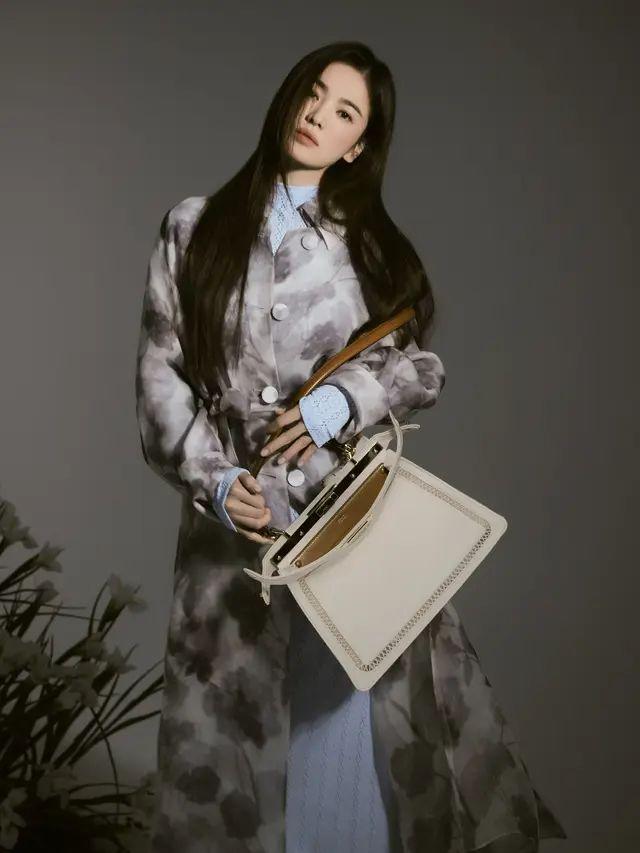 Potret Song Hye Kyo yang Jadi Brand Ambassador Fendi ...