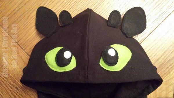 Toothless DIY Costume – convert a hoodie
