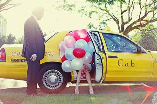 Balloons-cab-cute-summer-yellow-favim.com-417805_large: Courthouse Wedding, Photo Ideas, Wedding Balloon, Balloon Ideas, Cities Chic, Cute Ideas, Wedding Photo, The Bride, Pictures Day