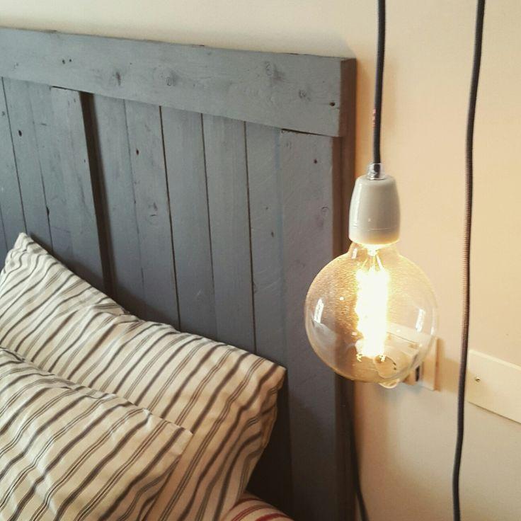 Oltre 25 fantastiche idee su testata del letto in legno su - Testiere del letto fai da te ...