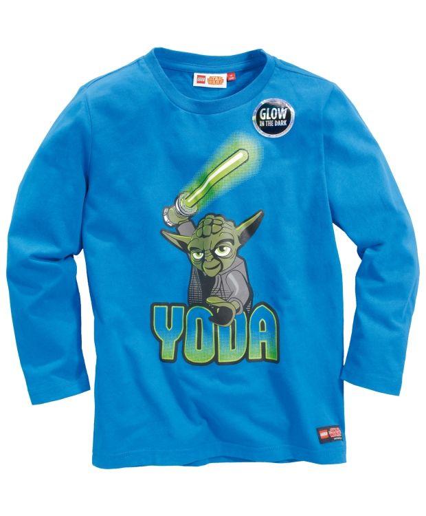 Legowear Yoda trøye Artig langarmet trøye fra Lego med Yoda trykk i front som lyser i mørket. God kvalitet av 100% bomull. Vask 40ºC
