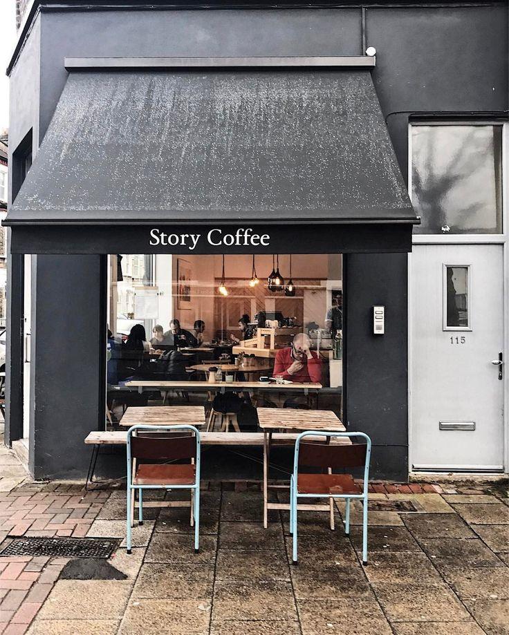 いいね!2,314件、コメント74件 ― @angelacoomeyのInstagramアカウント: 「. . ... What's the Story? ... . There's been a bit of a storm here and apparently she's called…」