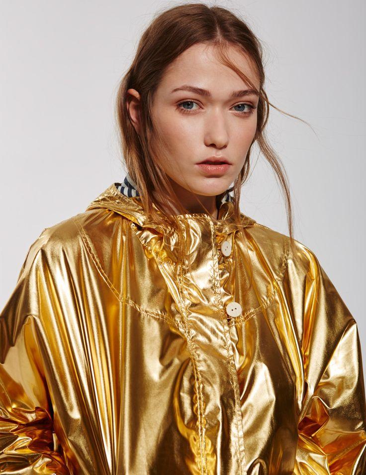 Yerse Gold metallic raincoat