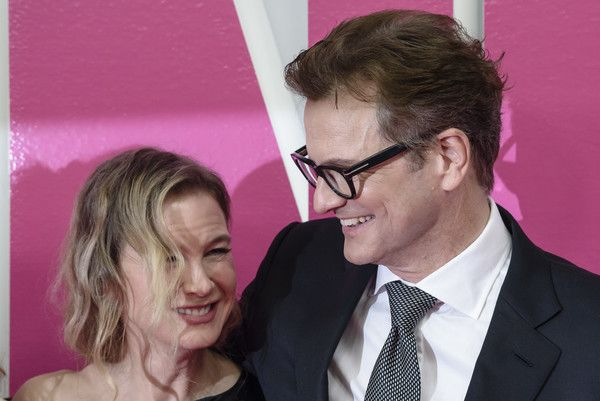 Colin Firth Photos Photos - Renee Zellweger (L) and Colin Firth attend the 'Bridget Jones Baby' German Premiere in Berlin at Zoo Palast on September 7, 2016 in Berlin, Germany. - 'Bridget Jones Baby' German Premiere in Berlin