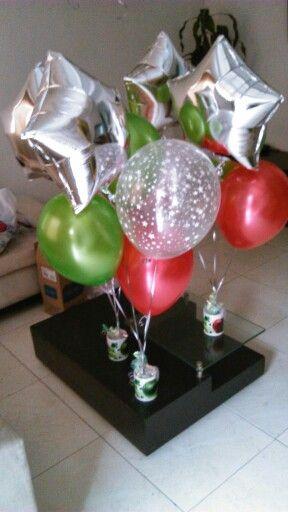 Centro de mesa con globos con mugs incluye Mugs personalizado+ 2 globos satinados +1 globo estampado +1 estrella metalizado $28.000 Contactenos 3727281-3153170602 Cali- Colombia