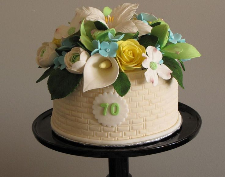 17 Best images about Calla lily wedding cakes on Pinterest ...