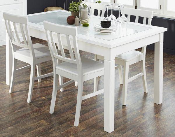 Esstisch mit Stühlen Charlotte I 3tlg. In reinem Weiß erstrahlt dieses Esszimmer der Möbelkollektion Charlotte. Es lädt dazu ein, sich an den Tisch zu setzen, die Düfte der Küche...