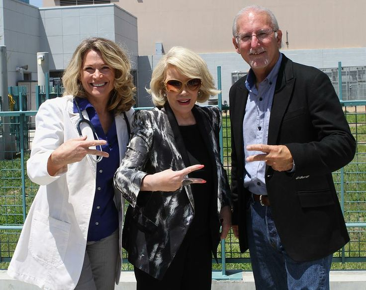 Joan Rivers came by to visit our mobile clinic!Joan Rivers, Rivers T-Shirt, Action, Joanrivers Lucypetfound, Mobiles Clinic