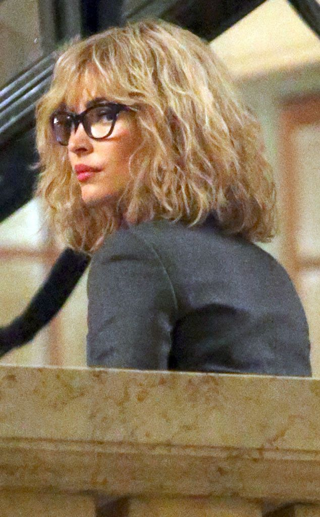 Megan Fox Wears '80s-Style Blond Wig and Glasses on TMNT 2 Set, Is Almost Unrecognizable?See Her New Look!