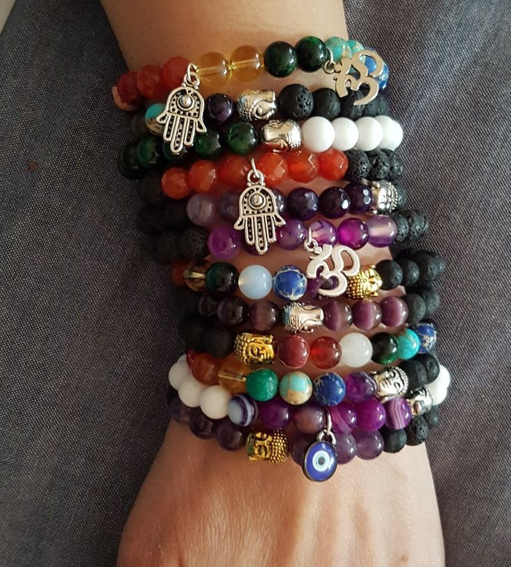 Piedras y chakras, ojo turco, mano fe Fátima y Ohm...