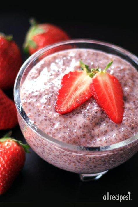 """Almond Strawberry Chia Seed Pudding 