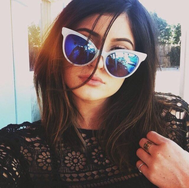 keeping-up-with-the-jenners:  Kylie's new twitter iconklyie jenner wild fox sunglasses