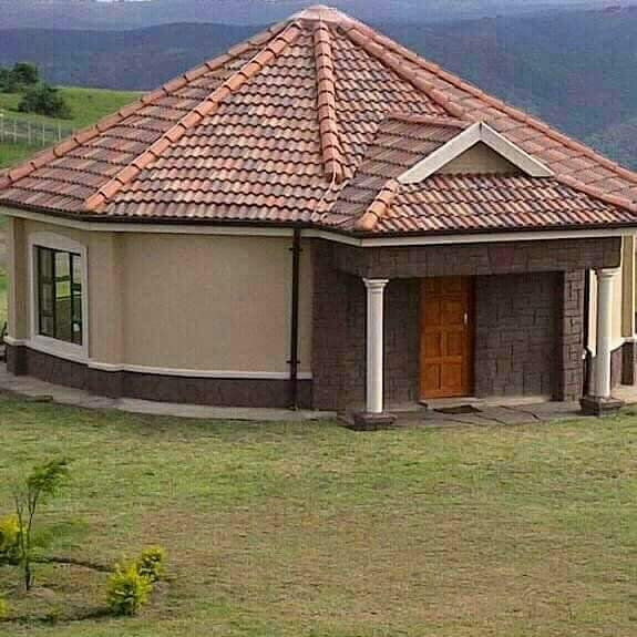 Pin by Sibulelo Jessie Ntozini on Rondavels in 2019 | House design, Round house plans, House ...