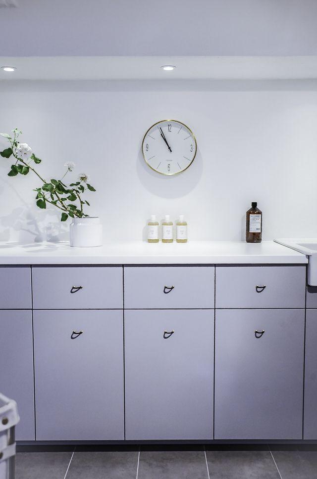 Snygg tvättstuga med EcoStone Indoor Lime Grey 60x30 cm hos @houseofphilia