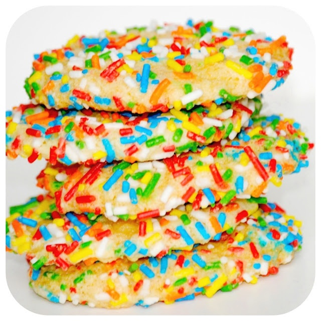 Happy-Go-Lucky: Cool Whip Cookies with Sprinkles: Cakes Cookies, Cookies Monsters, Cakes Mixed Cookies, Cake Mixes, Sprinkles Cookies, Easy Cookies, Chewy Cookies, Cookies And Sweet, Cool Whipped Cookies Recipes