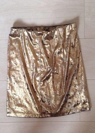 Buy here at #vinteduk http://www.vinted.co.uk/womens-clothing/bodycon-skirts/4420877-gold-texture-skirt