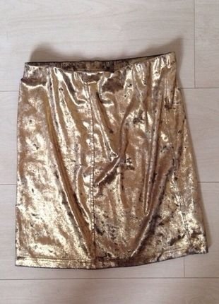 Buy here at #vinteduk http://www.vinted.co.uk/womens-clothing/bodycon-skirts/4420877-gold-texture-skirt
