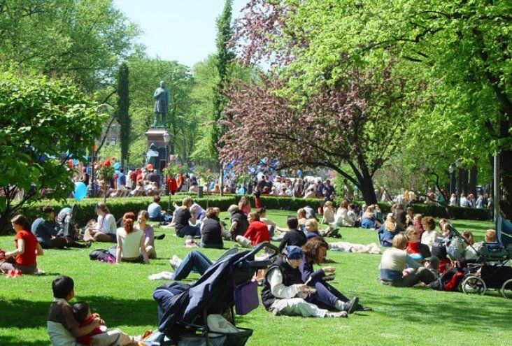 Esplanade Park | Visit Helsinki : City of Helsinki's official website for tourism and travel information