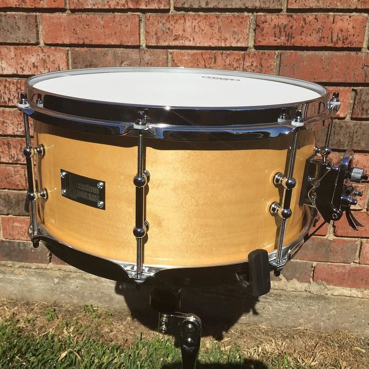 """FOR SALE. 6x14 maple snare. Stick saver hoops. Dw mag throw. 2""""/1"""" tube lugs. Puresound snares. Natural finish. Private message for more details and pricing.  @snaredrumfreakz @drumset_up @drums_for_drummers #drumforsale #snaredrum #drumporn #drums #snare by lacustomdrum"""
